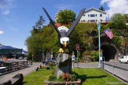 Large Eagle statue in Ketchikan.jpg